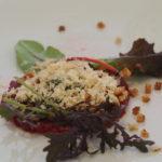Tartar burrosa di pecora Brogna, ostrica, lavanda e rosa