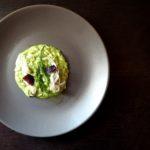 Mantecato di riso al basilico, seppiolina al timo e cippollotto, salicornia